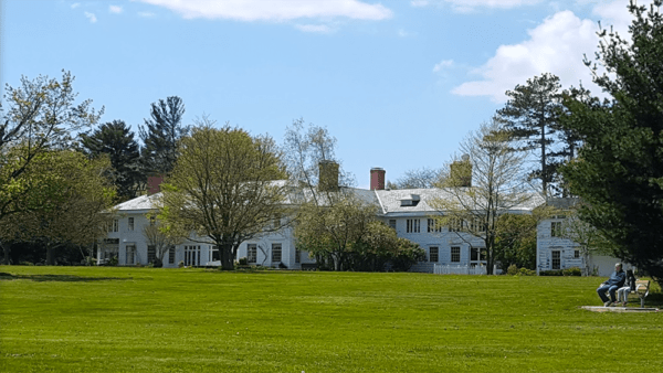 Knox Farm mansion on a sunny day